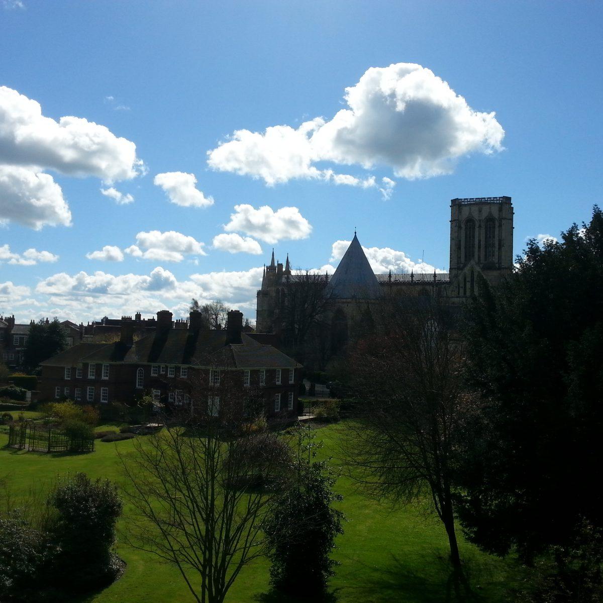 Aussicht von der Stadtmauer auf den Münster in York